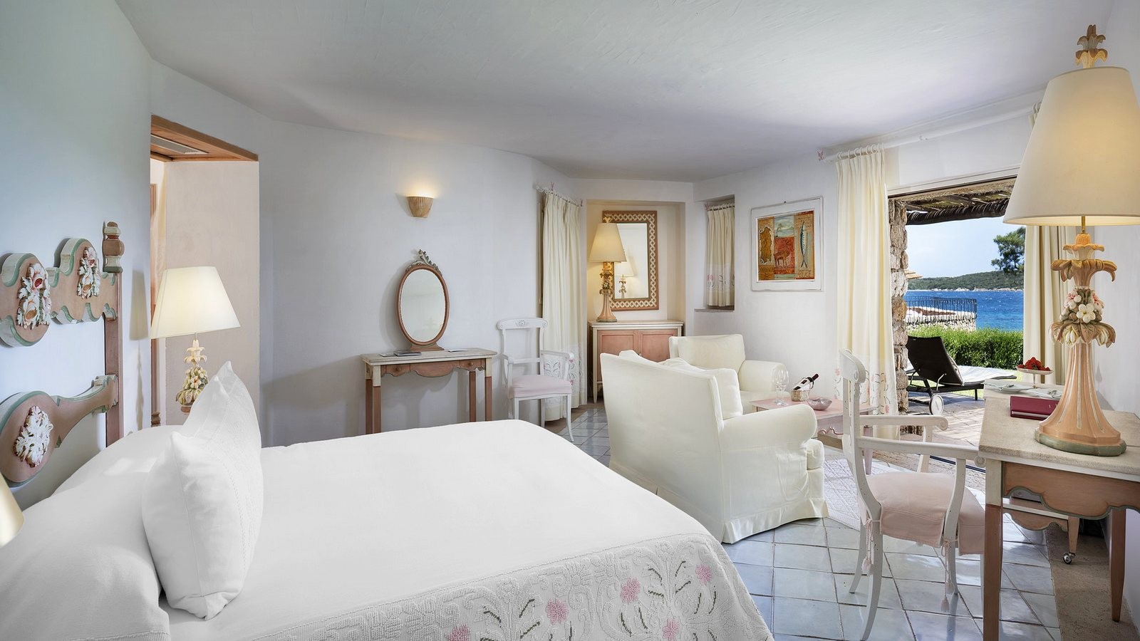 Pitrizza-Hotel-Costa-Smeralda-Room-Premium-Bedroom