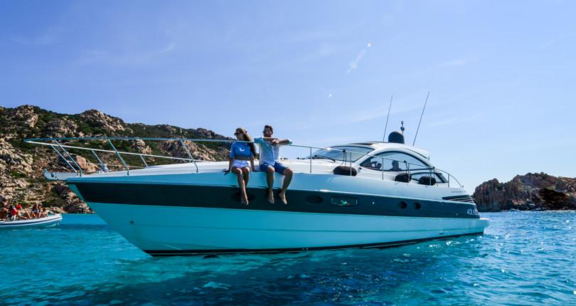 Аренда моторной яхты на Сардинии Pershing 46
