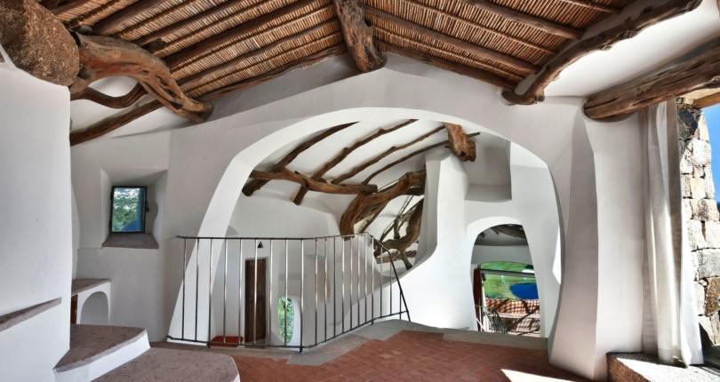 Престижная недвижимость у моря на Сардинии