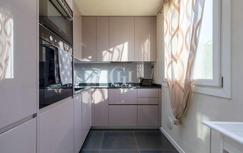 prodazha-apartamenta-sherry-v-dezentsano-del-garda (8)